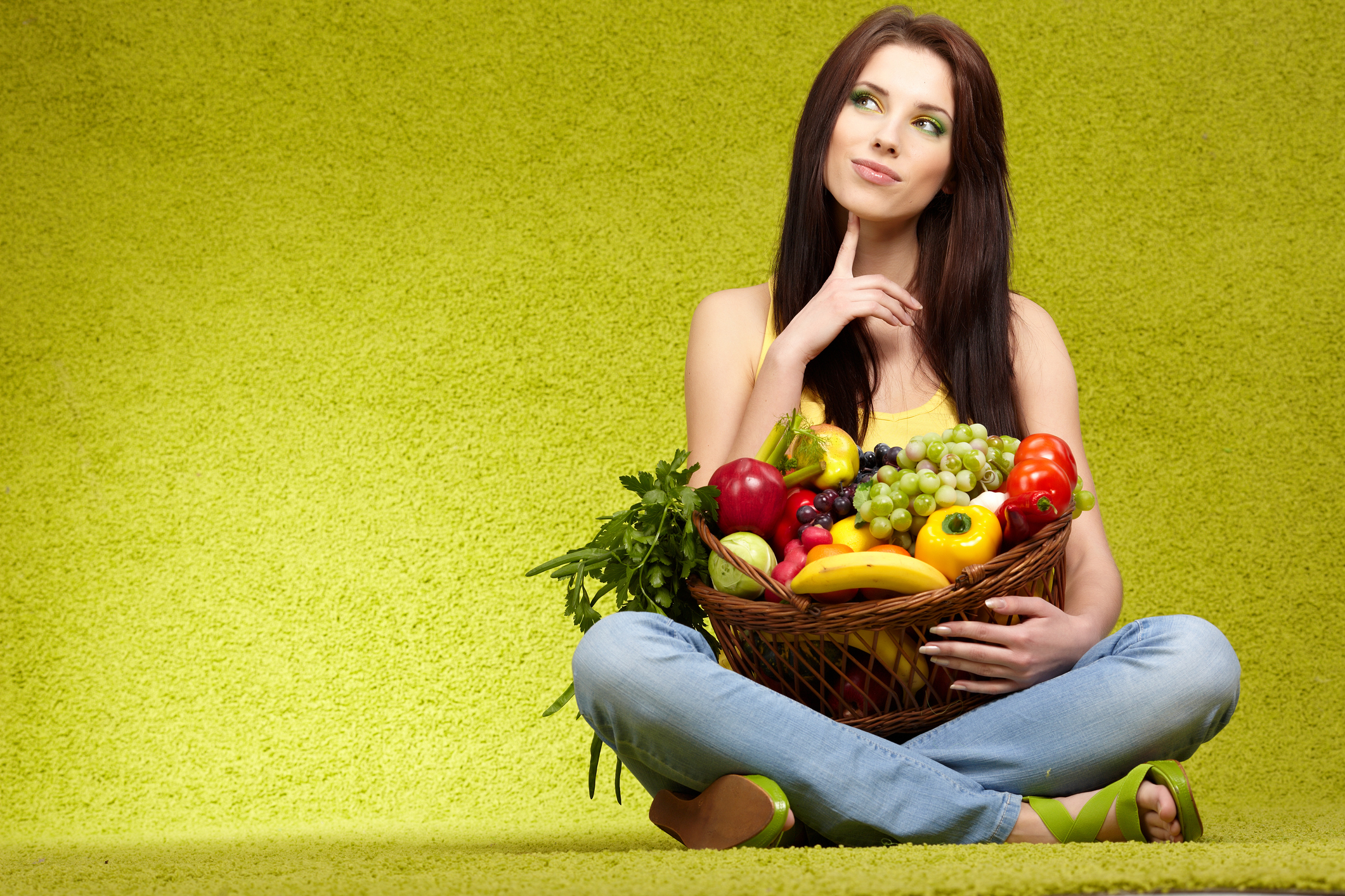 Shopping for fruits & veggies, green background
