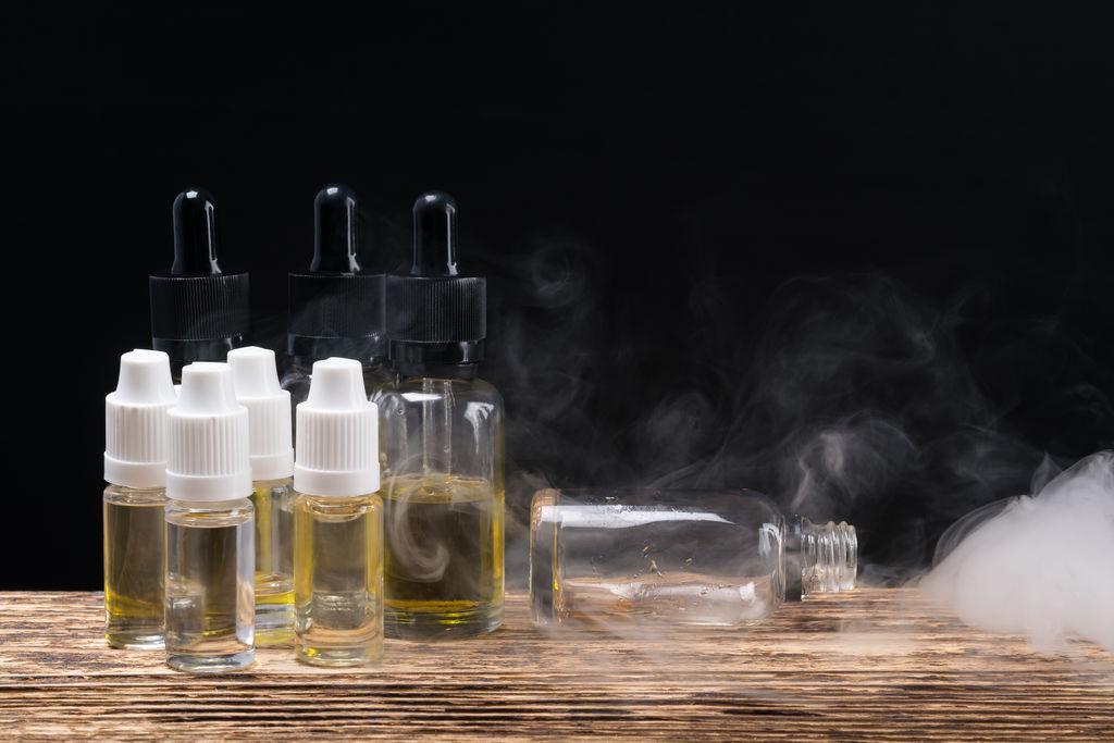 cigarette-electronique-certains-liquides-sont-plus-toxiques_width1024