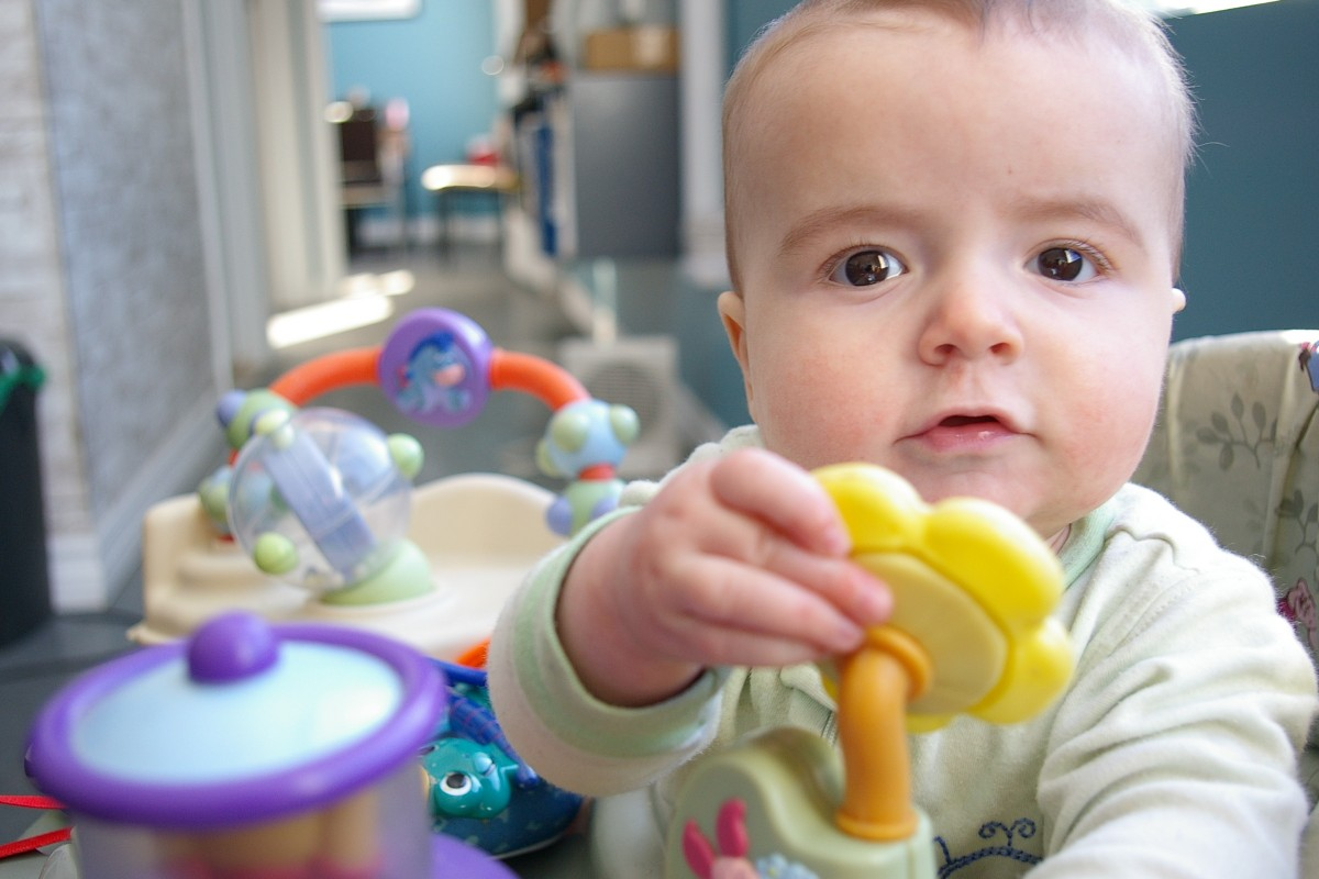 baby_child_face_small_child_toy_games-944434.jpg!d