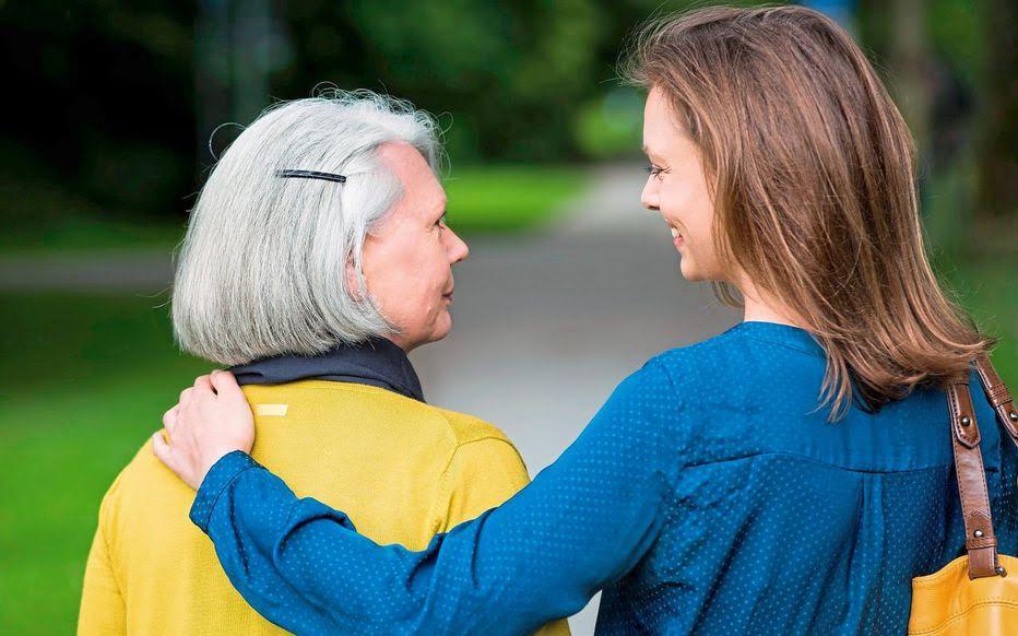 Quels coûts pour les familles d'accueil pour personnes âgées : 3 aides à connaître !